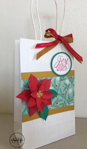 poinsettia-gift-bag